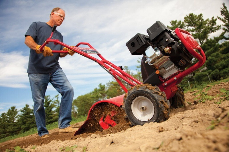 An Expert's Buyer's Guide To Purchasing Best Tiller