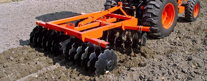 Disc harrows.